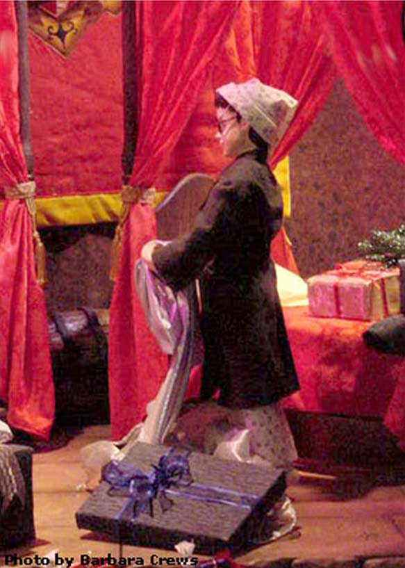 Marshall Field's Harry Potter Display 9 - Harry Receives the Invisibility Cloak