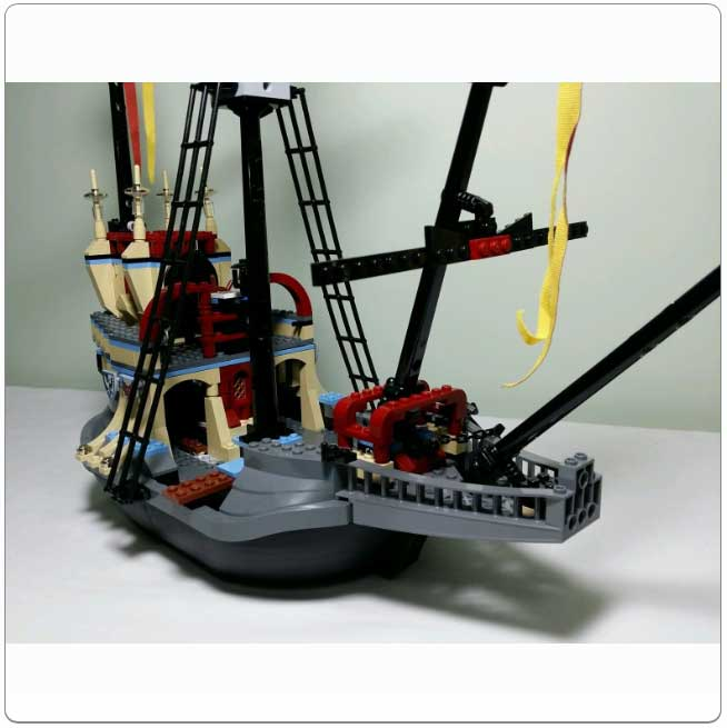 Lego Set 4768 The Durmstrang Ship Their ship magically appeared in the lake at hogwarts just in time for the triwizard tournament in the fourth story. lego set 4768 the durmstrang ship