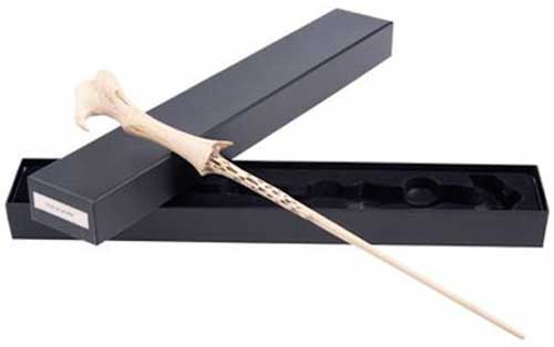 Lord voldemort 39 s wand aka tom riddle 39 s wand for The most powerful wand in the world